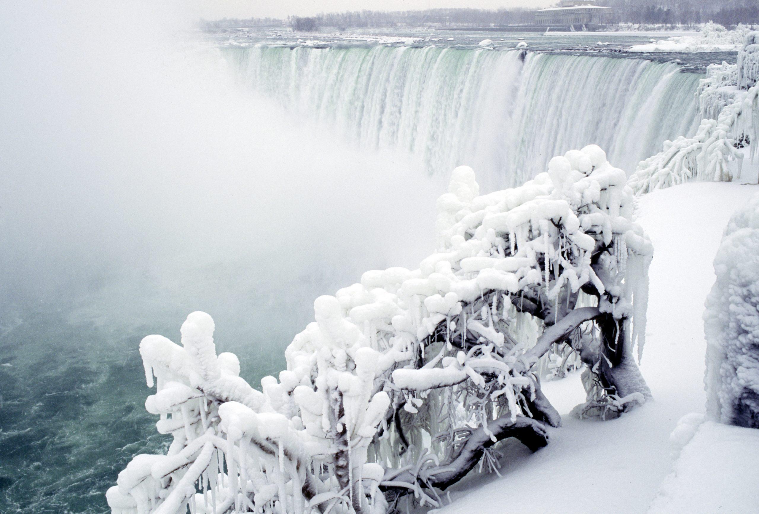 Snow scene of Niagara Fall